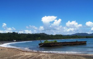 Barge in full at Playa Negra